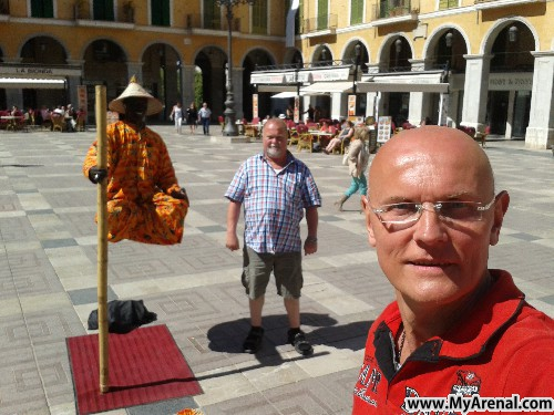 Mallorca Urlaubsbild - Palma Satdtmitte Grand Mayor mit schwebenden Magie