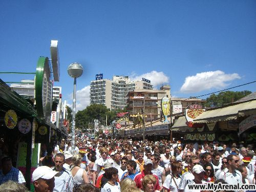 Mallorca Urlaubsbild - Schinkenstraße Mallorca Deutschland:Serbien